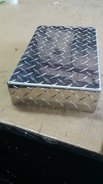 aluminum diamond plate box tray