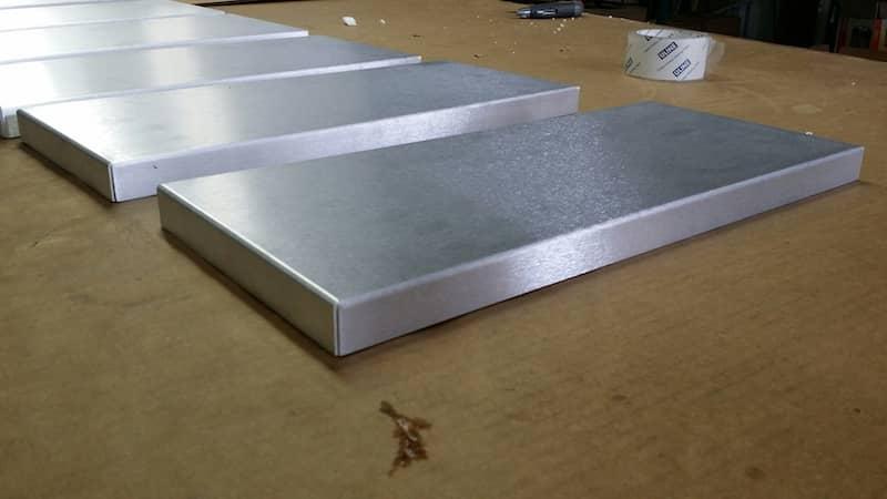 Aluminum tray box