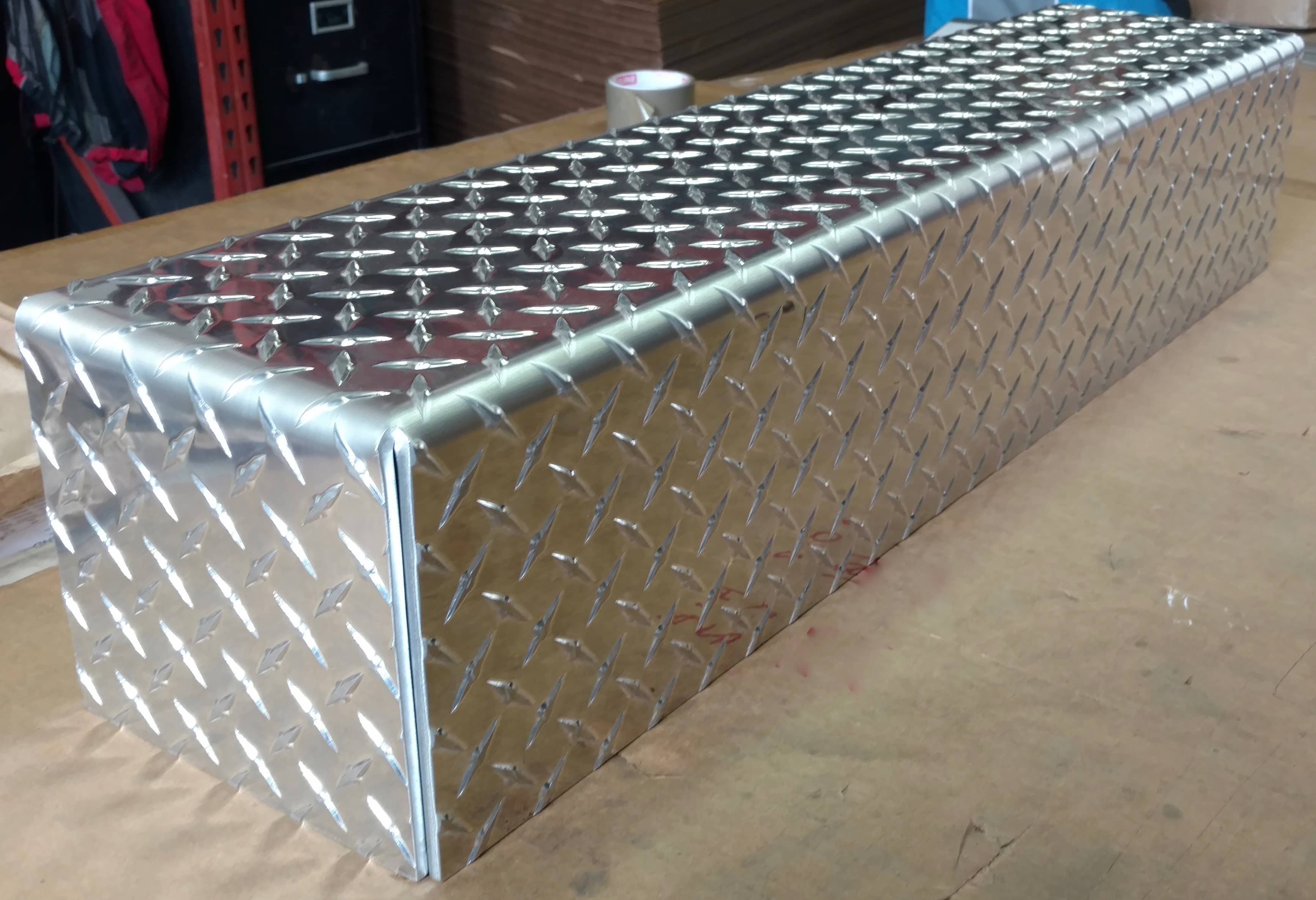 Aluminum tread plate diamond plate box